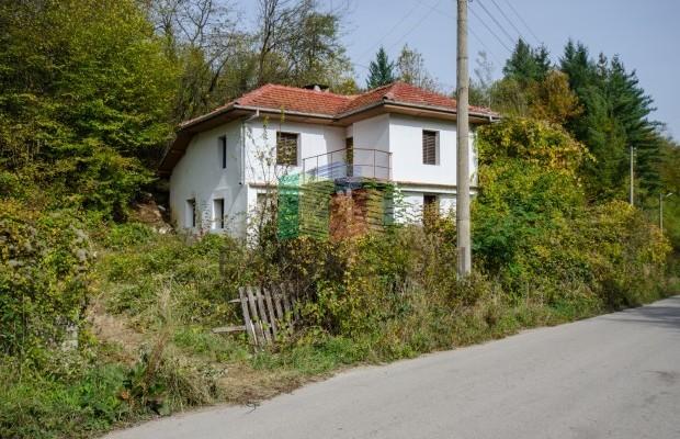 Снимка №2 Селска къща продава in Габрово област, Селище