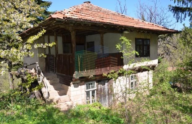 Снимка №1 Селска къща продава in Габрово, Етъра