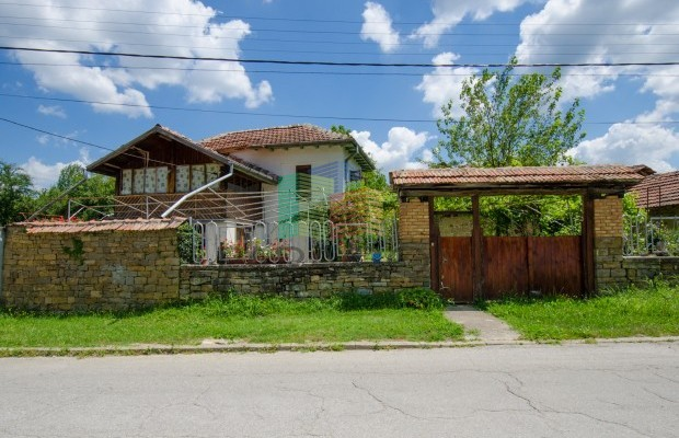 Снимка №2 Селска къща продава in Габрово област, Райновци